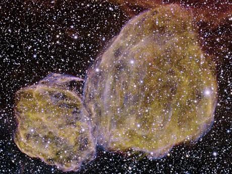 zbytky dvojité supernovy.jpg